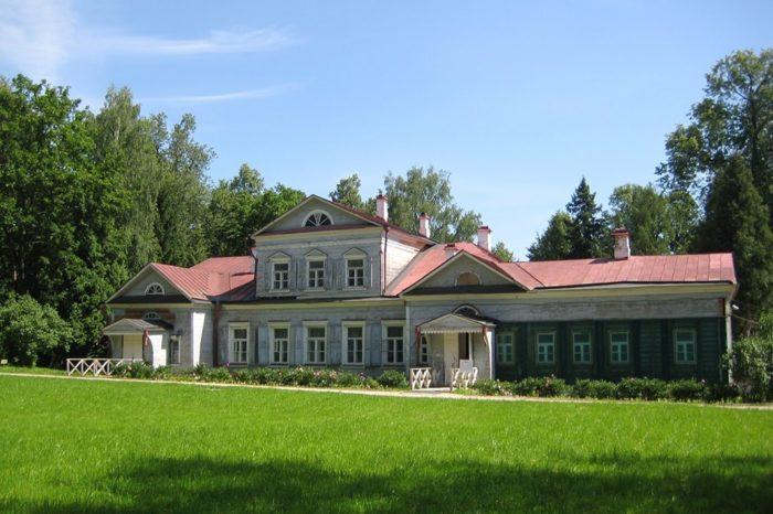 muzej-zapovednik-abramcevo-700x466