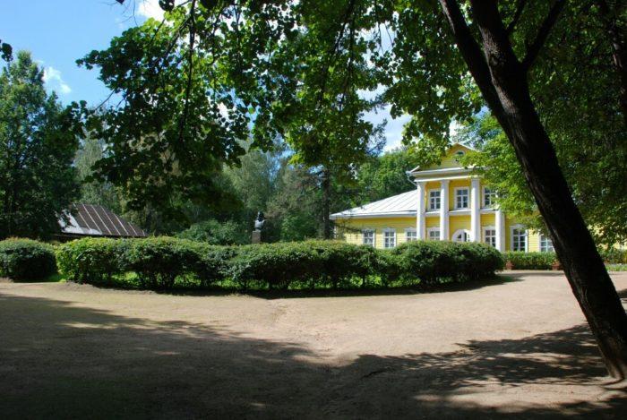 muzej-zapovednik-musorgskogo-700x469