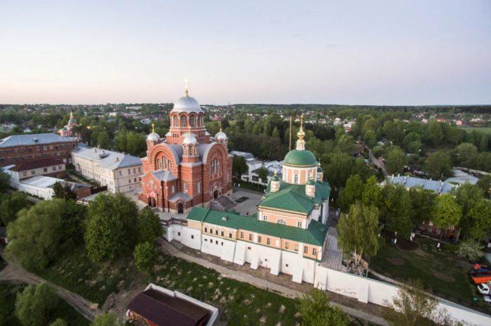 pokrovskij-hotkov-monastyr-700x465