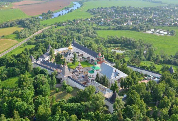 savvino-storozhevskij-monastyr-700x476