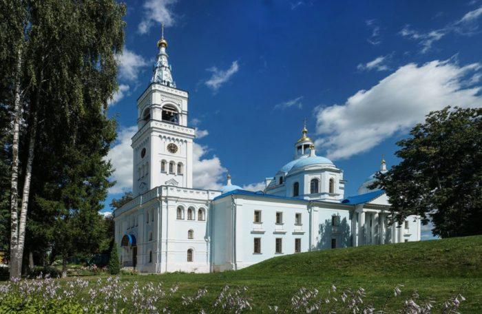 spaso-vlahernskij-monastyr-700x456