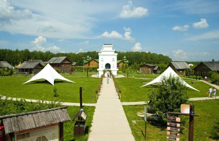 turisticheskij-kompleks-ehtnomir-700x449