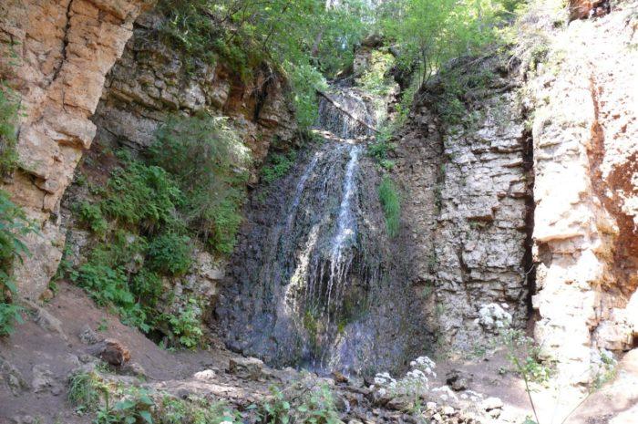 beresnyatskij-vodopad-700x465