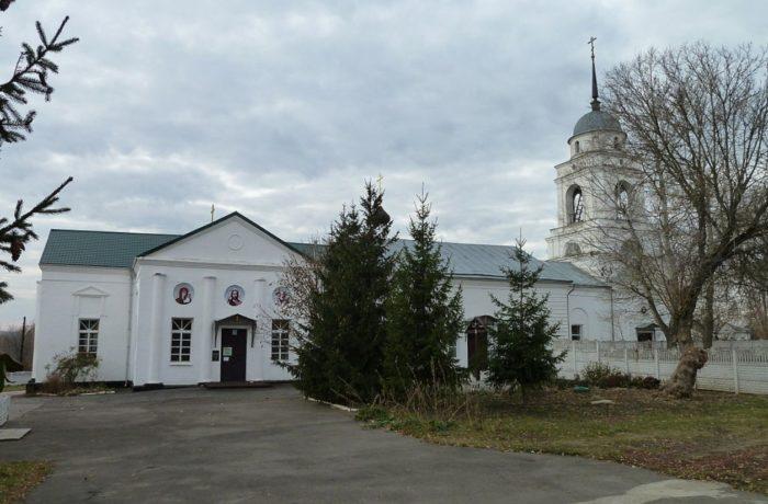 cerkov-nikolaya-chudotvorca-700x460