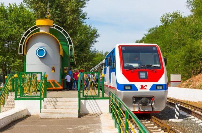 detskaya-zheleznaya-doroga-700x464
