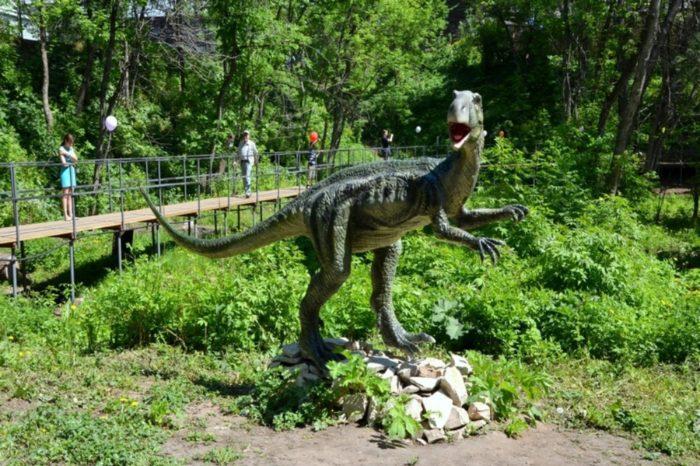 dinopark-dinozavry-na-vyatke-700x466