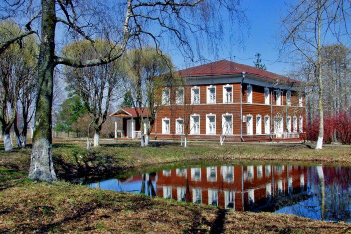dom-muzej-mozhajskogo-700x466