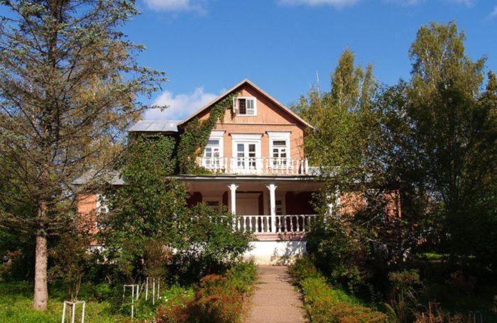 dom-muzej-przhevalskogo-700x455