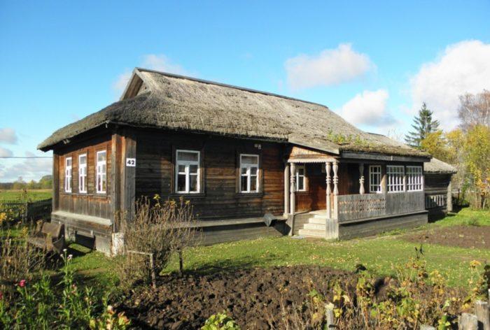 dom-muzej-yuriya-gagarina-v-klushine-700x472