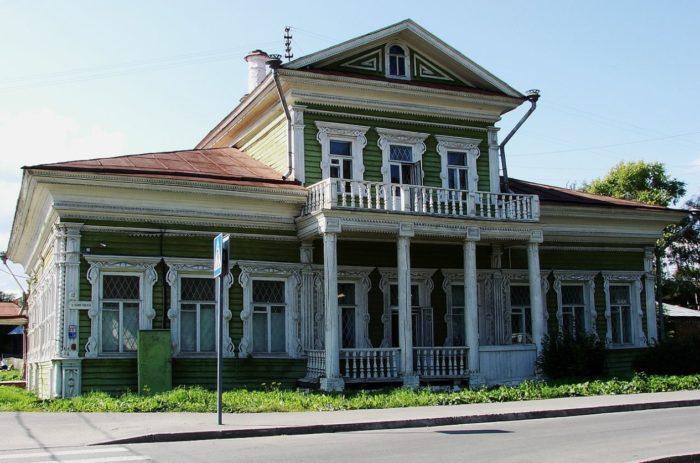 dom-zaseckih-700x463