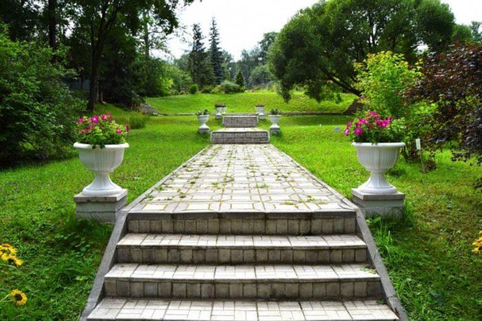 kirovskij-botanicheskij-sad-700x466