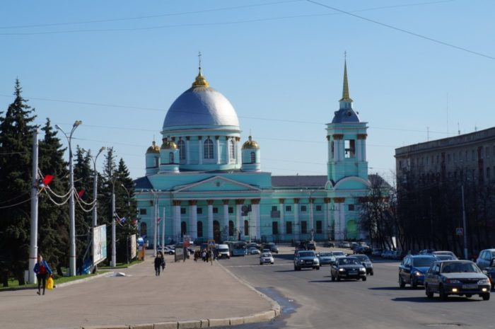 kurskij-znamenskij-bogorodickij-monastyr-700x465