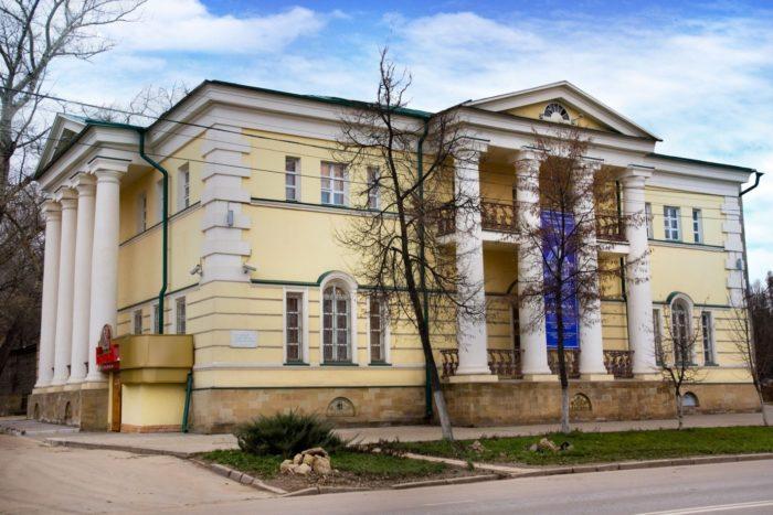 lipeckij-oblastnoj-hudozhestvennyj-muzej-700x467