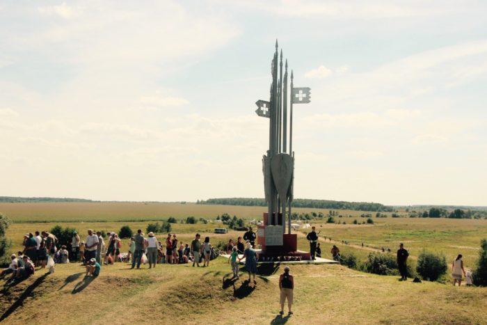 memorial-bitva-na-vozhe-700x467