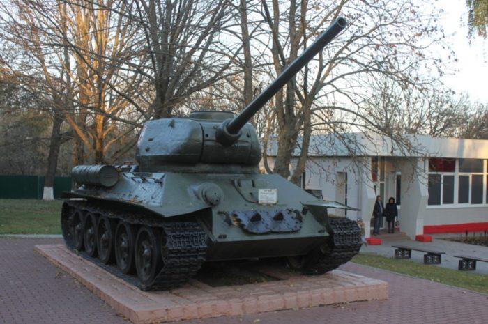 memorialnyj-kompleks-kp-centralnogo-fronta-700x465