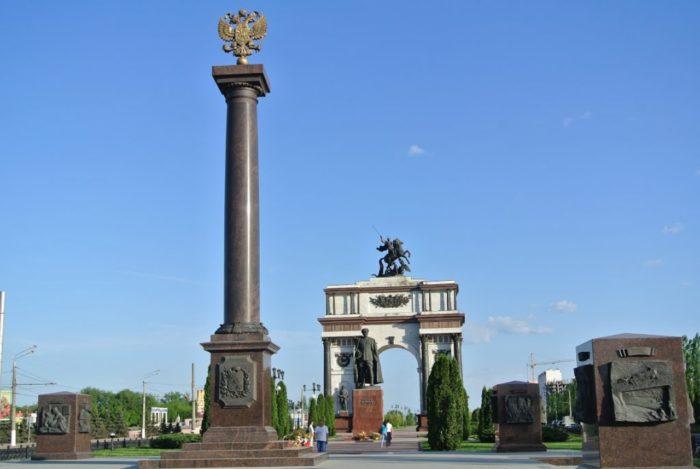 memorialnyj-kompleks-kurskaya-duga-700x469