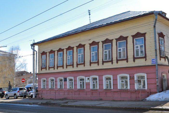 muzej-ciolkovskogo-aviacii-i-kosmonavtiki-700x468