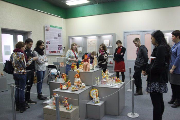 muzej-dymkovskaya-igrushka-istoriya-i-sovremennost-700x467