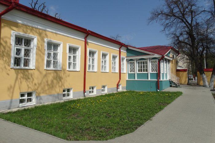 muzej-pisatelej-orlovcev-700x466
