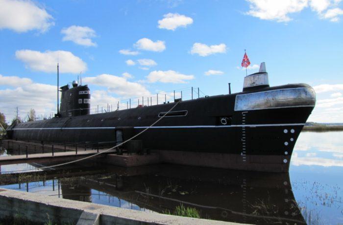 muzej-podvodnaya-lodka-b-440-700x460
