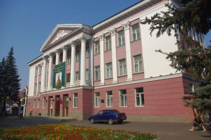 orlovskij-muzej-izobrazitelnyh-iskusstv-700x466