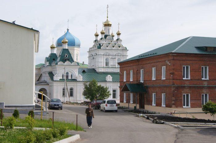 penzenskij-zhenskij-troickij-monastyr-700x466