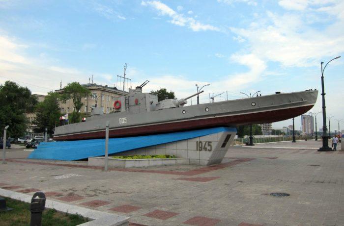 rechnoj-artillerijskij-kater-vremen-vov-700x461