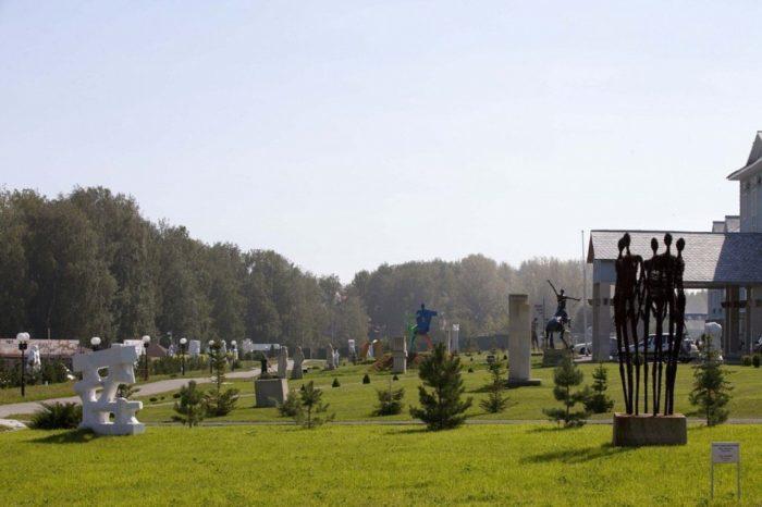 skulpturnyj-park-legenda-700x466