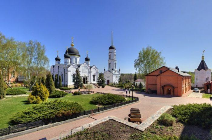 tihonovskij-preobrazhenskij-monastyr-700x464