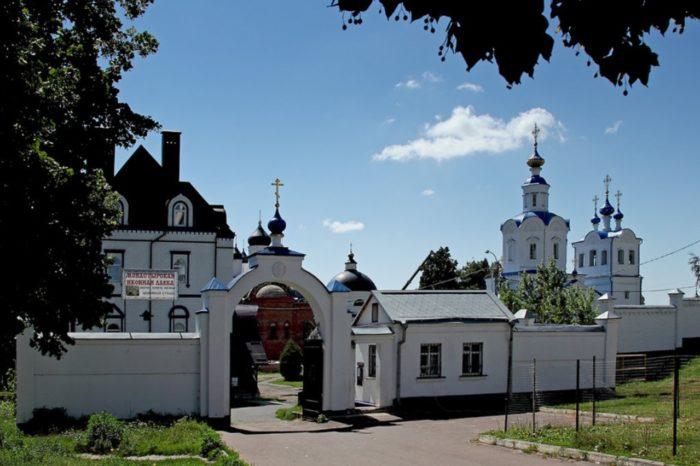 uspenskij-monastyr-v-orle-700x466