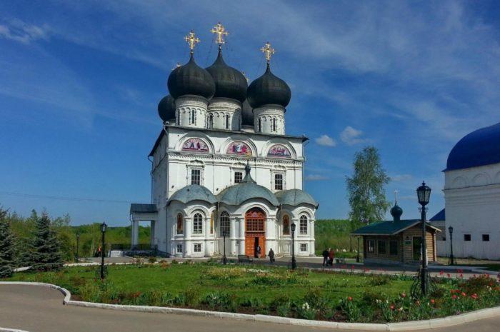 uspenskij-trifonov-monastyr-700x465