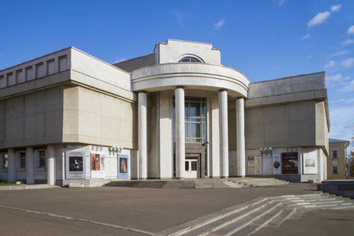 vyatskij-hudozhestvennyj-muzej-imeni-vasnecovyh-700x467
