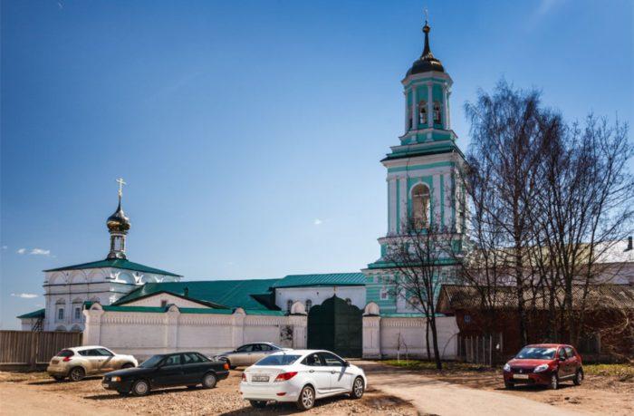 vyatskij-preobrazhenskij-monastyr-700x459