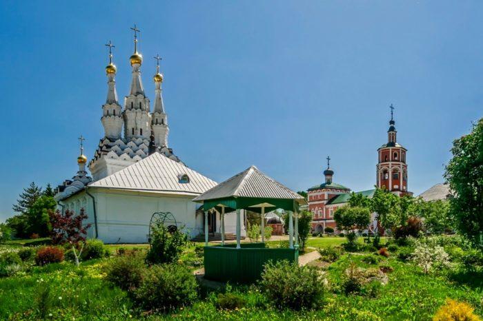 vyazemskij-ioanno-predtechenskij-monastyr-700x466