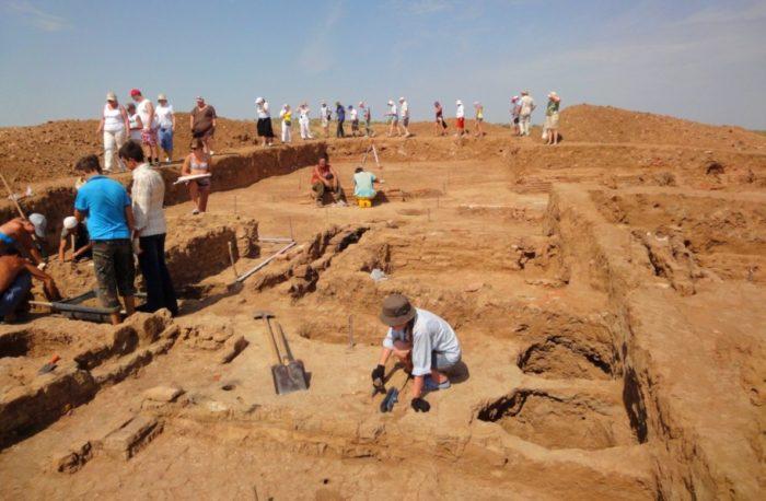 arheologicheskij-kompleks-selitrennoe-gorodishche-700x458