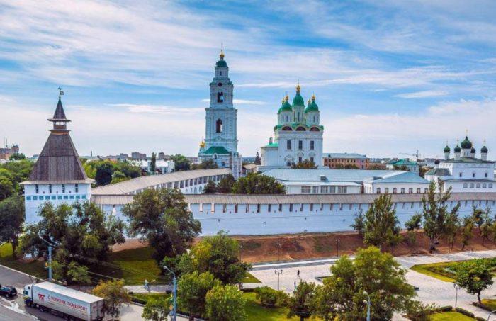 astrahanskij-kreml-700x453