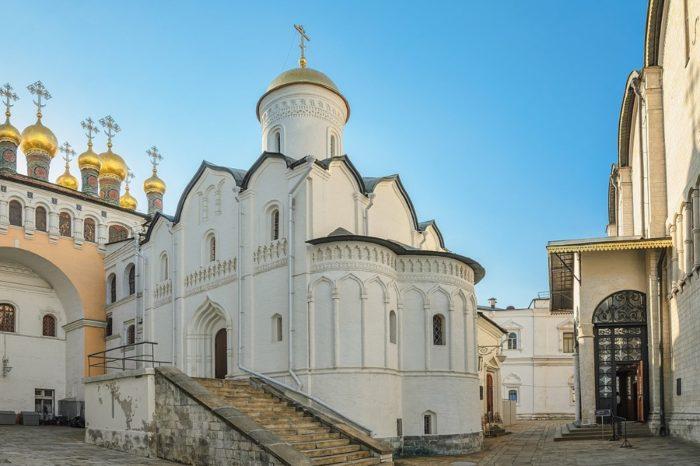 cerkov-rizopolozheniya-700x466