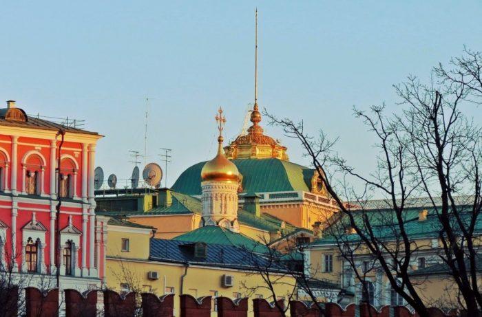 cerkov-rozhdestva-bogorodicy-na-senyah-700x461