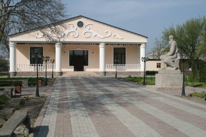 ehtnograficheskij-muzej-tolstogo-700x467