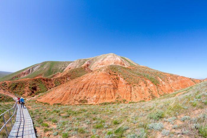 gora-bolshoe-bogdo-700x466