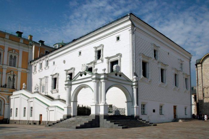 granovitaya-palata-700x465