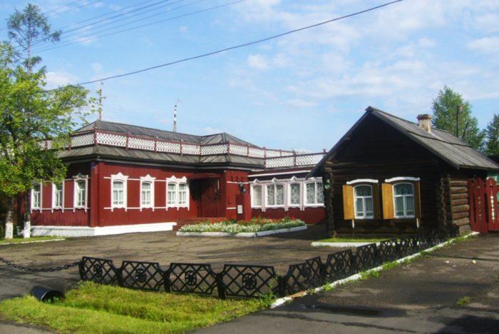 muzej-zapovednik-mariinsk-istoricheskij-700x468