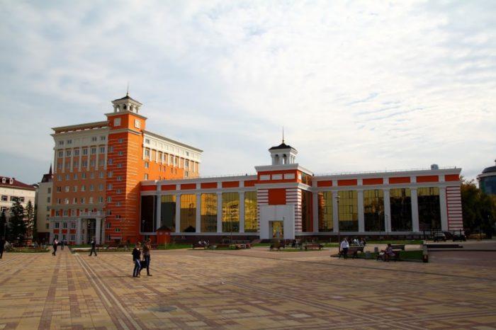 nacionalnaya-biblioteka-pushkina-700x466