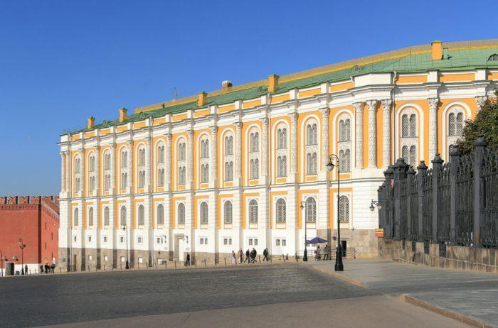 oruzhejnaya-palata-700x462