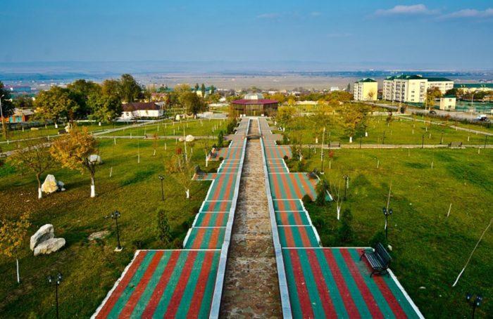 park-nacionalnoj-kultury-imeni-kadyrova-700x454