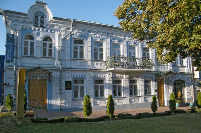 stavropolskij-muzej-izobrazitelnyh-iskusstv-700x465
