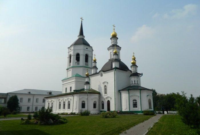 bogorodice-alekseevskij-monastyr-700x475