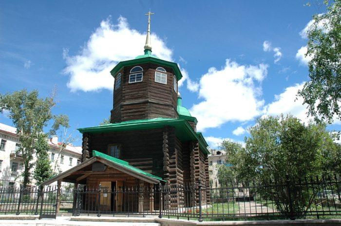 cerkov-dekabristov-700x465
