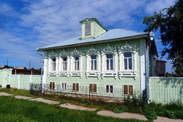 dom-muzej-grigoriya-rasputina-v-pokrovskom-700x468