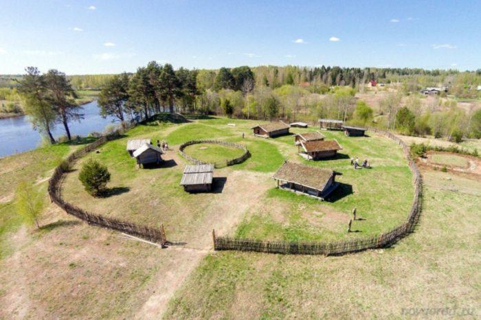 muzej-slavyanskaya-derevnya-10-veka-700x466